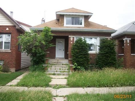 5322 w fletcher chicago il 60641 foreclosed home