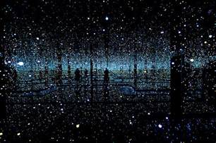 The Infinity Mirror Room Infinity Mirrored Room By Yayoi Kusama Gives Visitors A