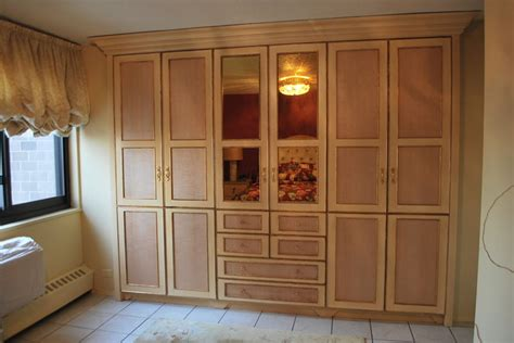 How To Make Wardrobe Closet by Custom Closets Home Offices Wardrobe Sliding Door Closet
