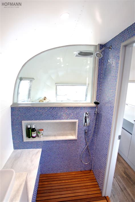 vintage badezimmer umbau a once in a blue moon airstream wohnwagen