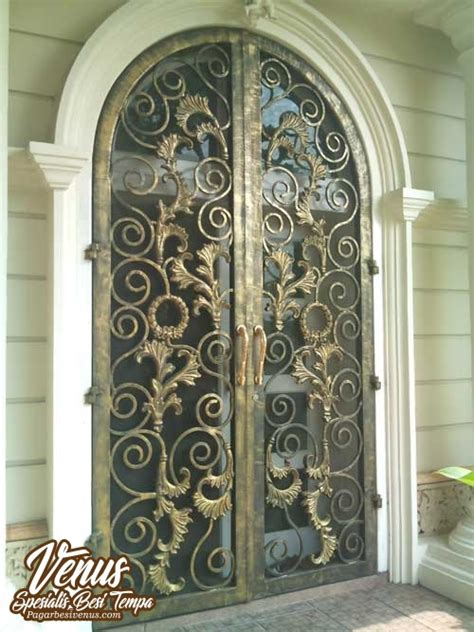 harga pintu besi tempa klasik mewah modern jakarta