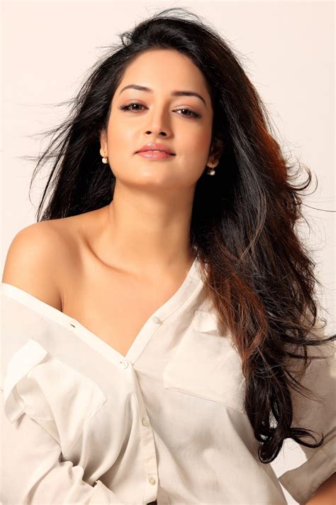 heroine new photoshoot picture 944197 actress shanvi srivastava new hot