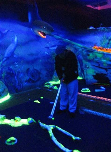 glow in the paint melbourne glow golf docklands melbourne all you need to