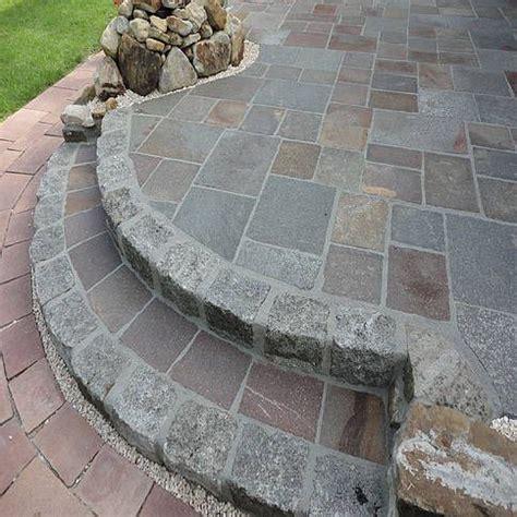 bodenplatten garten verlegen terrassen treppe aus granit grau und porphyr bahnware