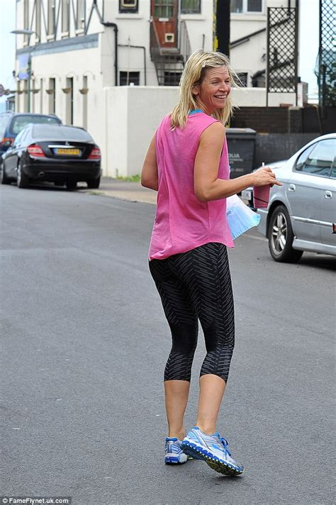 Think Cook Cook Zoe zoe shows toned figure as she steps out for a