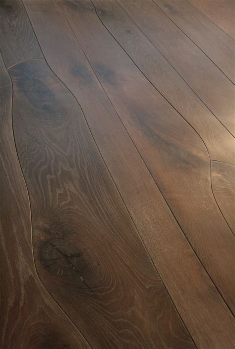 Curving Wood Floor Planks