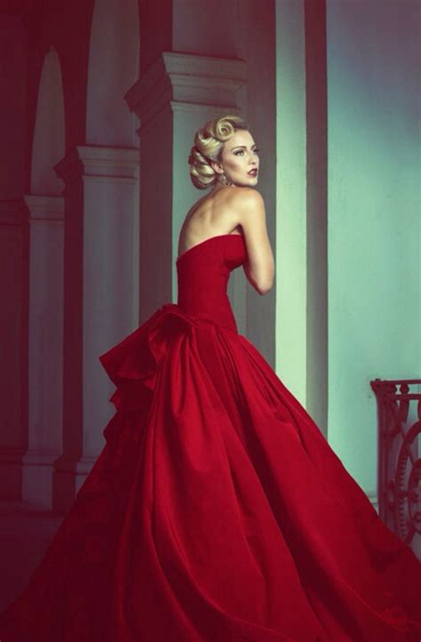 Gorgeous Ball Gowns Red Wedding Dresses Bodice Sweetheart Floor Length Big Bow Backless Vintage
