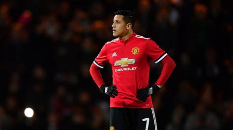 now official alexis sanchez signs for manchester united united move has elevated alexis sanchez official