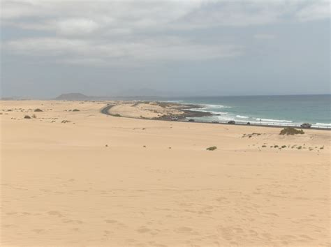 fuerteventura turisti per caso dune di corraleyo fuerteventura spagna viaggi