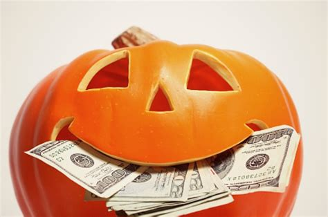 Online Gigs To Make Money - 5 popular halloween gigs to earn extra money makemoneyinlife com