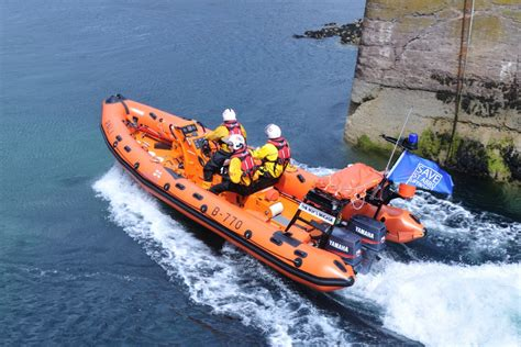 failure to launch boat scene st abbs lifeboat first on the scene of stricken fishing