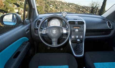 suzuki splash interni suzuki splash foto panoramauto