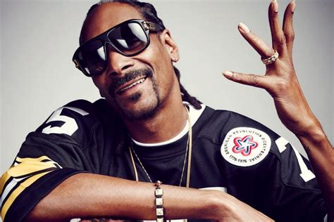 Happy Easter Snoop Dogg Style by Snoop Dogg Gives A Second Breath To Records