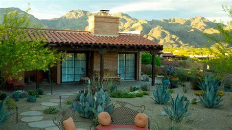 modern backyard backyard desert landscaping ideas on a