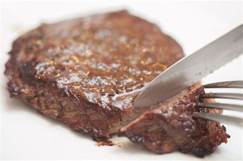 how to cook or bake a juicy steak