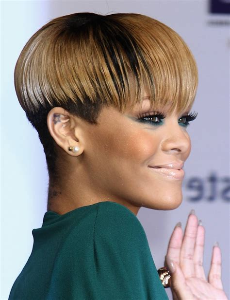 how to style hair that is shorter in the back than the front rihanna short haircut rihanna short hair styles hair