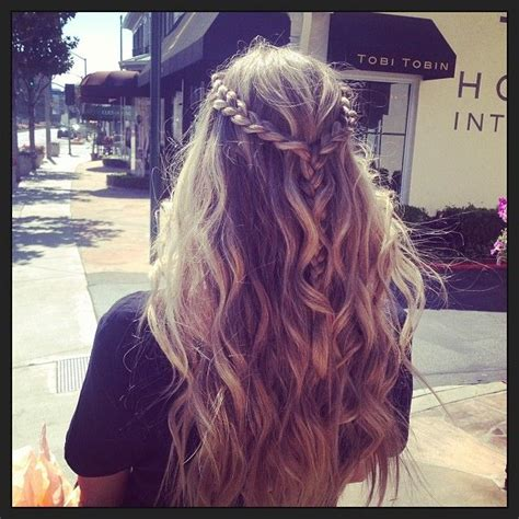 17 messy boho braid hairstyles to try gorgeous touseled 17 best ideas about beach waves hairstyle on pinterest