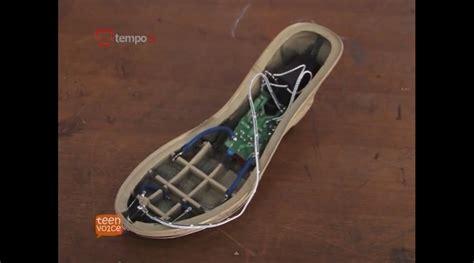 Raket Setrum Nyamuk sepatu listrik anti pelecehan seksual atmobb
