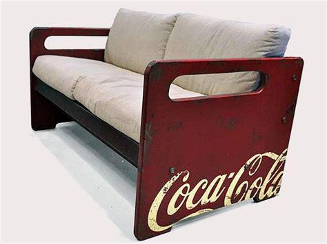 coca cola couch coca cola ganha linha de m 243 veis oficiais sexy furniture