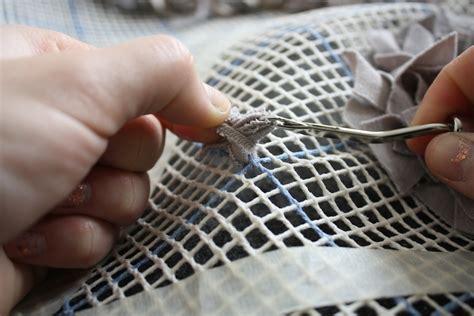 latch hook rug tutorial diy shag rug says rawr part 2 of 2 merrypad