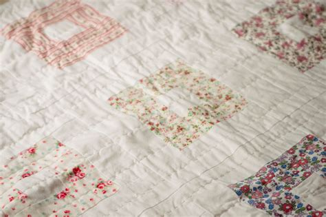 pleasant view schoolhouse a dainty quilt