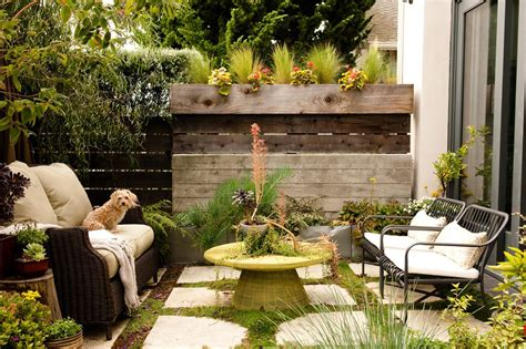 Small Backyard Ideas How To Make A Small Space Look Bigger Ideas For Small Backyard