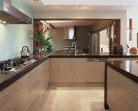 Designer Kitchens Contempory Kitchen Design Brisbane Marble Kitchen Benchtops Caesarstone Kitchen