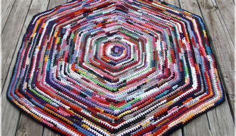 hexagon crochet rug pattern debs crochet completed the big hexagon rag rug i ve been working on