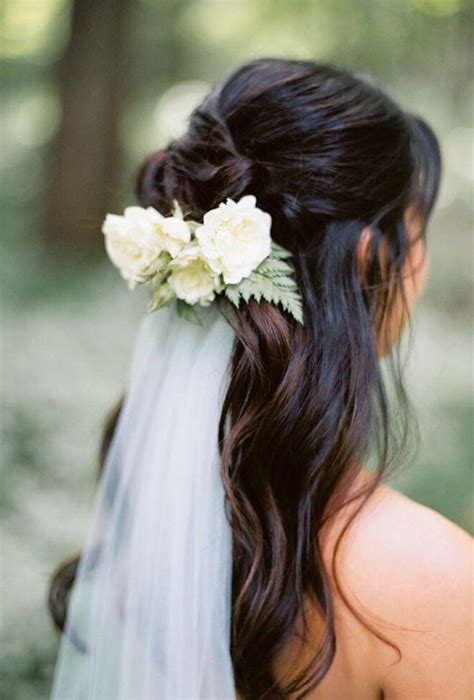 Wedding Hairstyles Wavy Hair wavy hair veil wedding hairstyle wavy wedding