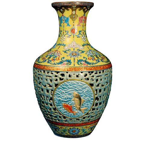 Qing Dynasty Vase by Mint Of Poland Embeds A Porcelain Insert To Celebrate