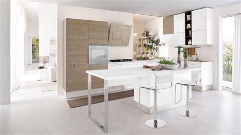 Attraente Arredare Cucina Piccola #3: Come-far-sembrare-piu-grande-cucina-piccola.jpg