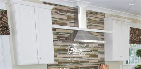 Advantages of kitchen range hoods over microwaves for venting today s homeowner