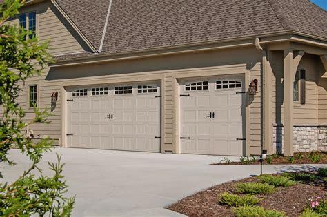 Coach House Garage Doors Carriage House Sted Garage Doors Chi Overhead Doors
