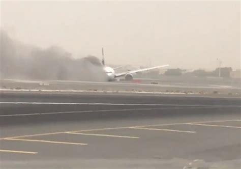 emirates flight 521 emirates trivandum dubai 777 crashes on landing tail