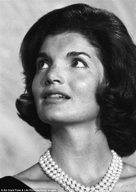 jackie kennedy the private world of jackie kennedy rare pictures provide