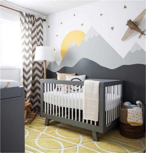 wanddeko berge kinderzimmer bilder babyzimmer einrichten tipps graues babybett