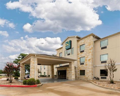 comfort suites huntsville tx quality suites at 631 i 45 south huntsville tx on fave