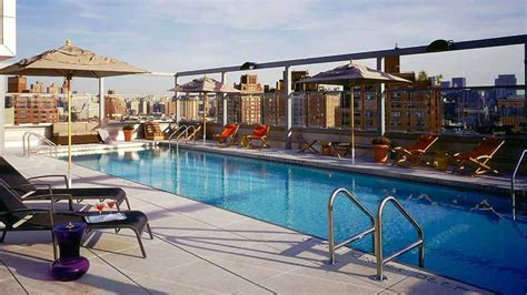 Hotels In Manhattan With Balconies by Best Rooftop Bars In New York City To Drink