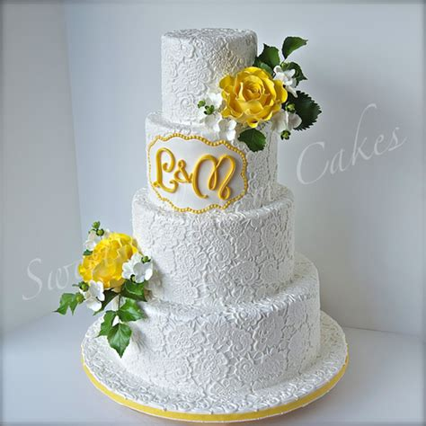 Wedding Cake Yellow Roses by Lace And Yellow Roses Wedding Cake Cakecentral
