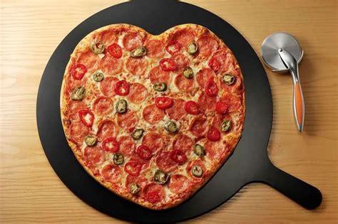 pizza hut valentines pizza hut has a secret s day item that you don t