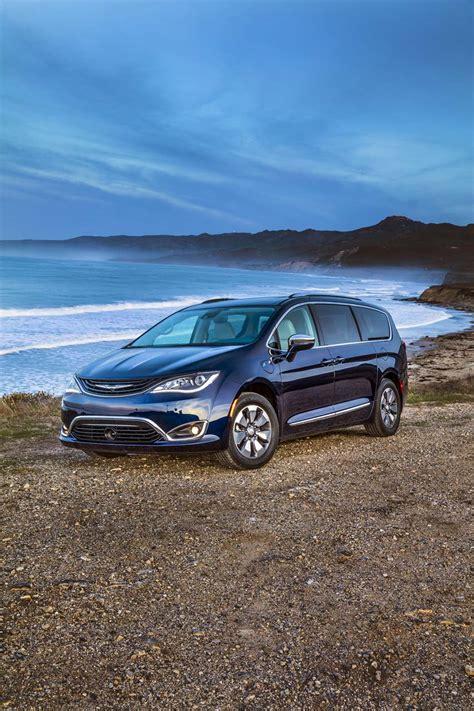 Chrysler Hybrids by 2017 Chrysler Pacifica Hybrid Car News Newslocker