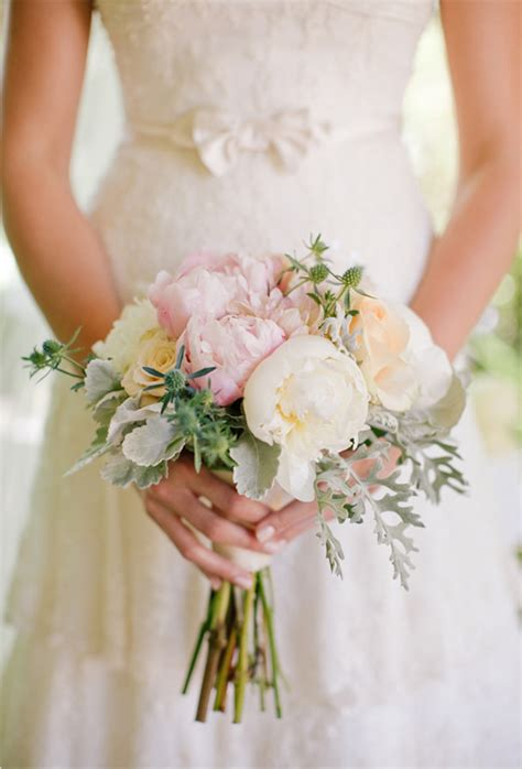 cheapest wedding flowers in july wedding bouquets flowers decorations and wedding