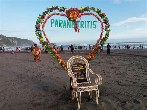 pantai parangtritis tempat wisata romantis  ragam