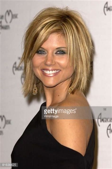 tiffani thiessen hairstyle pictures 17 best ideas about celebrity medium haircuts on pinterest