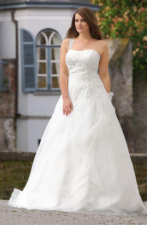 Brautkleider Mollige by Brautkleider F 252 R Mollige So Sch 246 N Wird 2014 Crusz Brautblog
