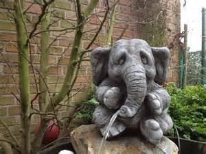 garten steinfiguren wasserspeier elefant steinfigur garten deko gartenfiguren