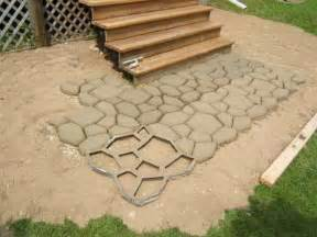 Easy Patio Pavers Outdoor Great Diy Concrete Pavers How To Build Diy Concrete Pavers Diy Paver Patio Paver