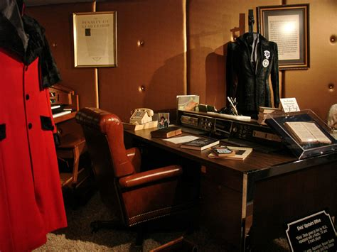 girls room that have a office up stairs interior of the graceland mansion of elvis presley