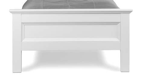 was genau ist ein futonbett bett landwood bettgestell in wei 223 mit kopfteil 90x200 cm