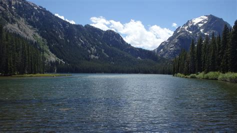 In The Lake hiking trails in the beartooth mountains mthikes